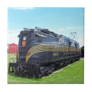 Locomotora GG-1 #4800 del ferrocarril de Azulejo Cuadrado Pequeño