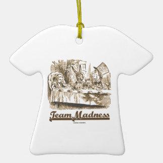 Locura del equipo (fiesta del té enojada del país adorno de cerámica en forma de camiseta
