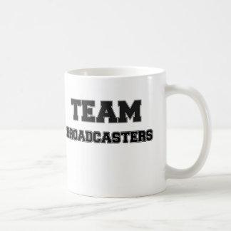 Locutores del equipo tazas de café