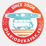 Logo de diario de kayak washed pegatina redonda