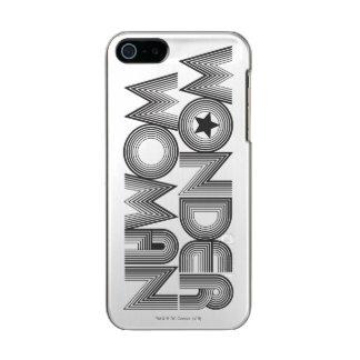 Logotipo 3 de la Mujer Maravilla B&W Funda Para iPhone 5 Incipio Feather Shine