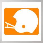 Logotipo anaranjado del casco de fútbol americano poster