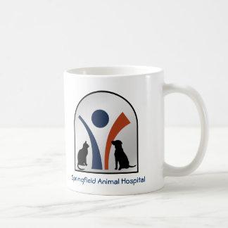 Logotipo animal veterinario con el gato y el perro tazas de café