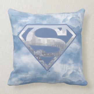 Logotipo azul claro de la ciudad del S-Escudo el | Cojín Decorativo