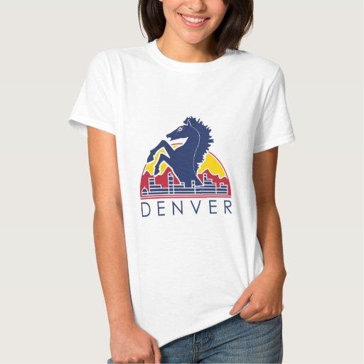 Logotipo azul de Denver del caballo Poleras