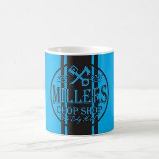 Logotipo azul de los coches de carreras de las taza de café