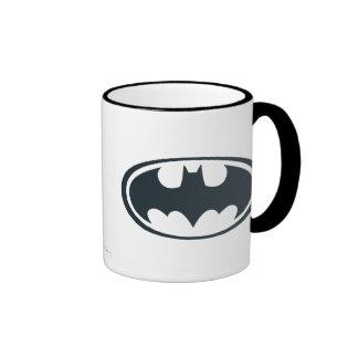 Logotipo blanco y negro del símbolo el   de Batman Taza De Dos Colores