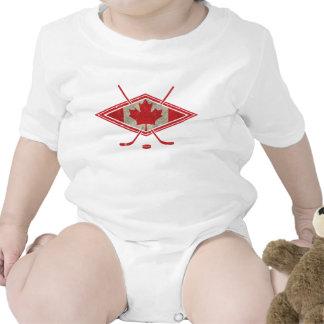 Logotipo canadiense de la bandera del hockey traje de bebé