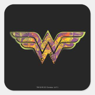 Logotipo colorido de la Mujer Maravilla Colcomanias Cuadradas