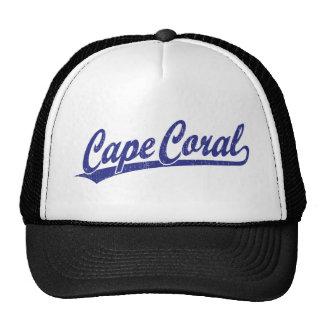 Logotipo coralino de la escritura del cabo en azul gorros bordados