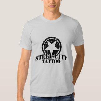 Logotipo de acero del ejército de la ciudad camisas
