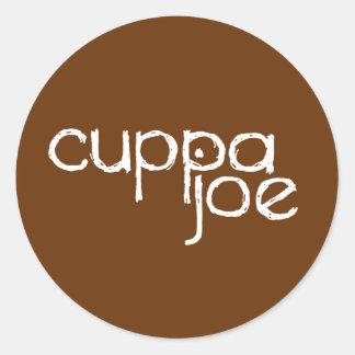 logotipo de Joe del cuppa en blanco - Etiqueta Redonda