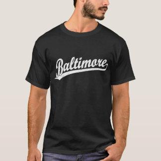 Logotipo de la escritura de Baltimore en blanco Playera