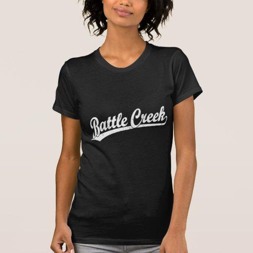 Logotipo de la escritura de Battle Creek en blanco Camisetas