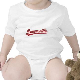 Logotipo de la escritura de Brownsville en rojo Trajes De Bebé