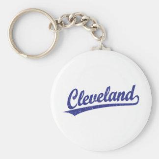 Logotipo de la escritura de Cleveland en azul Llavero Redondo Tipo Pin