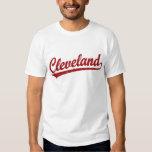 Logotipo de la escritura de Cleveland en rojo Playeras