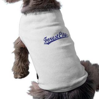 Logotipo de la escritura de la ciudad del bosque e playera sin mangas para perro