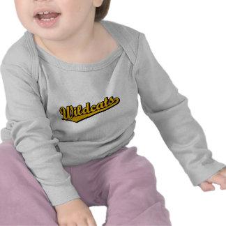 Logotipo de la escritura de los gatos monteses en camisetas