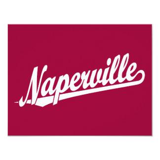 Logotipo de la escritura de Naperville en blanco