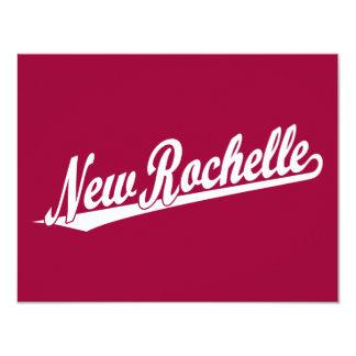 """Logotipo de la escritura de New Rochelle en blanco Invitación 4.25"""" X 5.5"""""""