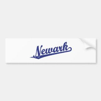 Logotipo de la escritura de Newark en azul Pegatina De Parachoque