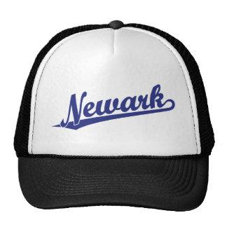 Logotipo de la escritura de Newark en azul Gorros Bordados