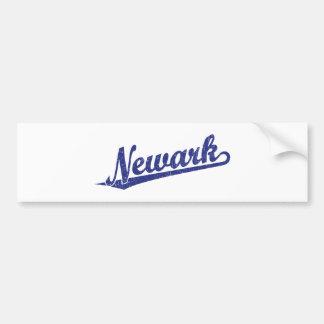 Logotipo de la escritura de Newark en el azul apen Pegatina De Parachoque