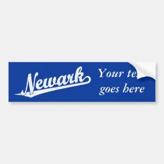 Logotipo de la escritura de Newark en el blanco ap Etiqueta De Parachoque