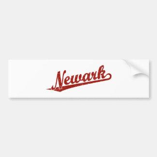 Logotipo de la escritura de Newark en el rojo apen Pegatina De Parachoque