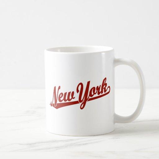 Logotipo de la escritura de Nueva York en rojo Tazas De Café