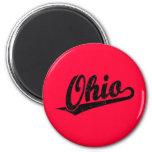 Logotipo de la escritura de Ohio en el negro apena Imán De Frigorifico