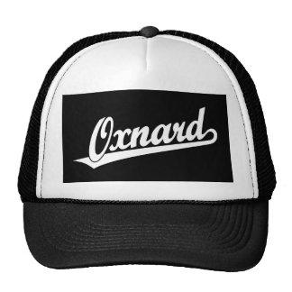 Logotipo de la escritura de Oxnard en blanco Gorros Bordados
