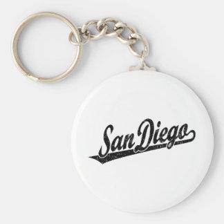 Logotipo de la escritura de San Diego en el negro  Llavero Redondo Tipo Pin