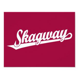 """Logotipo de la escritura de Skagway en blanco Invitación 4.25"""" X 5.5"""""""
