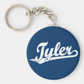 Logotipo de la escritura de Tyler en blanco Llavero Redondo Tipo Pin