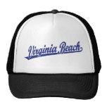 Logotipo de la escritura de Virginia Beach en azul Gorras De Camionero