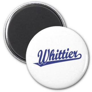 Logotipo de la escritura de Whittier en azul Imán Redondo 5 Cm