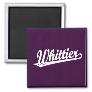 Logotipo de la escritura de Whittier en blanco Imán Cuadrado