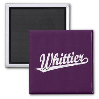 Logotipo de la escritura de Whittier en el blanco  Imán Cuadrado