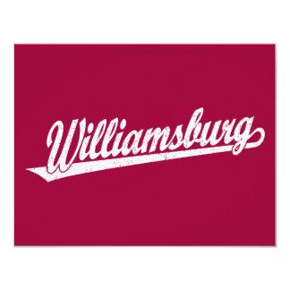 """Logotipo de la escritura de Williamsburg en el Invitación 4.25"""" X 5.5"""""""