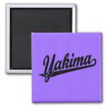 Logotipo de la escritura de Yakima en negro Imanes