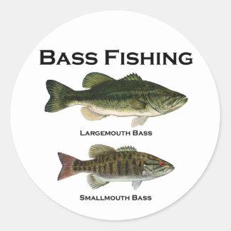 Logotipo de la pesca de la lubina (bocazas - pegatina redonda