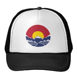 Logotipo de la puesta del sol de la montaña rocosa gorras