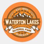 Logotipo de los lagos Waterton Pegatina Redonda
