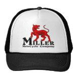 Logotipo de Miller Motocycle en un gorra del camio