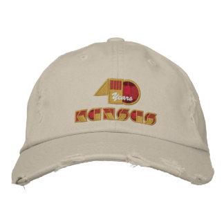 Logotipo del aniversario de 40 años gorras bordadas
