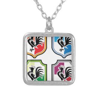 Logotipo del escudo del gallo colgante cuadrado