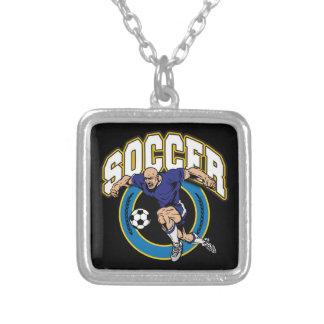 Logotipo del fútbol de los hombres colgante cuadrado
