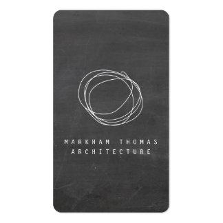 Logotipo del garabato del diseñador en la pizarra tarjetas personales